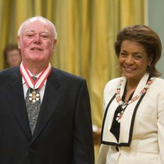 Alistair MacLeod reciving the Order of Canada from Her Excellency Michaëlle Jean, 27th Governor General of Canada.